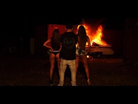 Jory Boy explota un carro de policía en su nuevo vídeo musical de