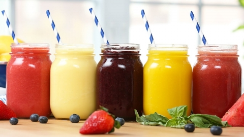 5 Healthy 2-Ingredient Fruit Slushies!