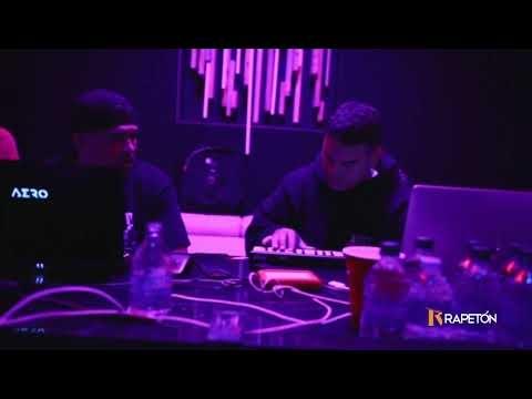 Jeremy Ayala (Hijo de Daddy Yankee) produciendo...