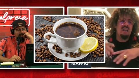 Maffio bebe CAFÉ con LIMÓN