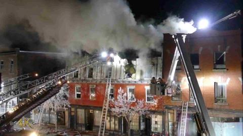 Montréal: Fire on Ste-Catherine grows into hard 5 alarm blaze...