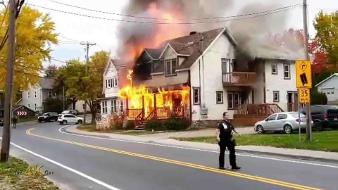 Québec: Large house fully involved with exposure prior FD arrival...