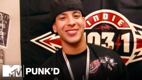 Broma a Daddy Yankee en el programa PUNK'D (Throwback)