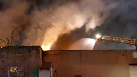 St-Jerôme: Fire burns through industrial spa equipment building...