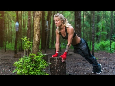 BEST STREET WORKOUT AND CALISTHENICS GIRL MOTIVATION 2017