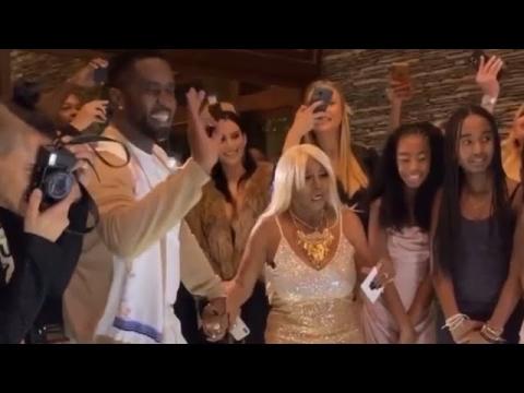 Diddy le da un cheque de $1 millón a su madre en su cumpleaños