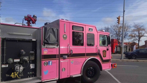 Mississauga: Pink firetruck for breast cancer awareness responding...