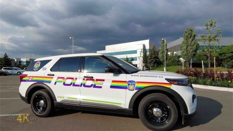 Canada: Peel Police decorate cruiser in rainbow colors for gay pride...