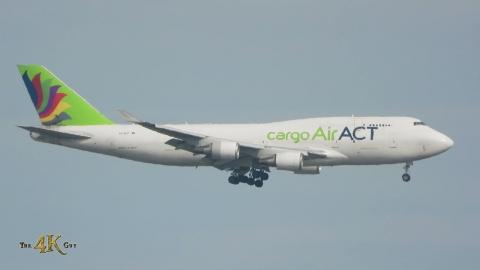 Toronto: August 1h Plane Spotting Video at YYZ Pearson International...