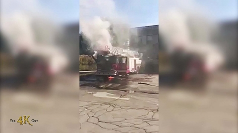 Montréal: Firetruck catches on fire after mechanical issue 10-18-2020