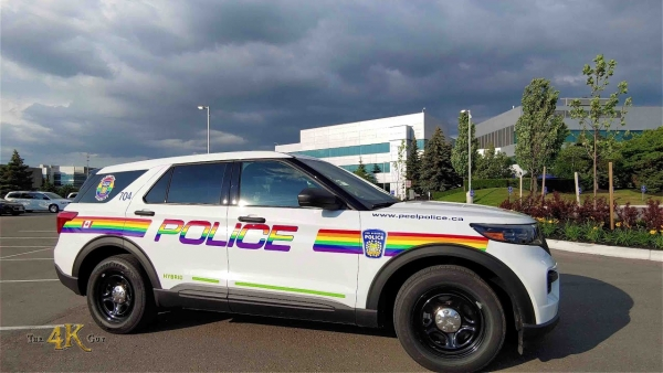Canada: Peel Police decorate cruiser in rainbow colors for gay pride - June 2021