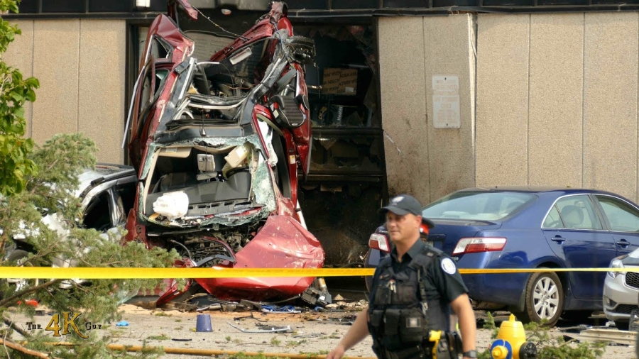 Toronto: Shocking crash car vs building leaves two people dead 7-20-2021